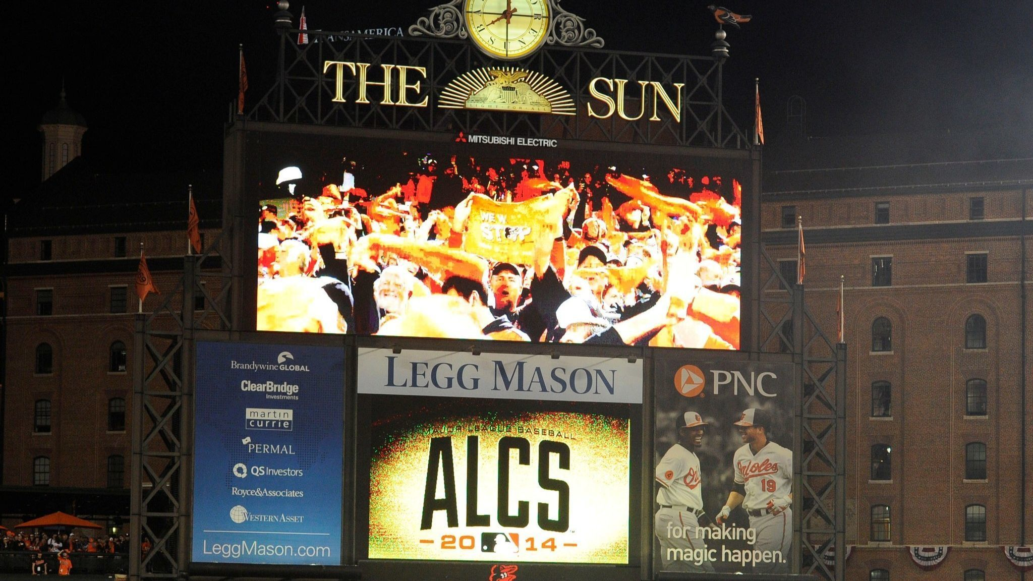 Legg Mason ends sponsorships with Orioles and Ravens