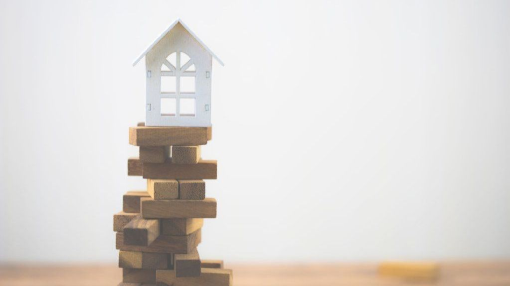 Dealing with property transfers and gift taxes