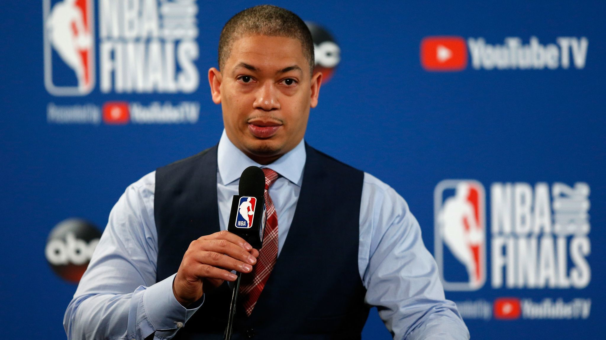 Lakers plan to interview Tyronn Lue, Monty Williams and Juwan Howard this week