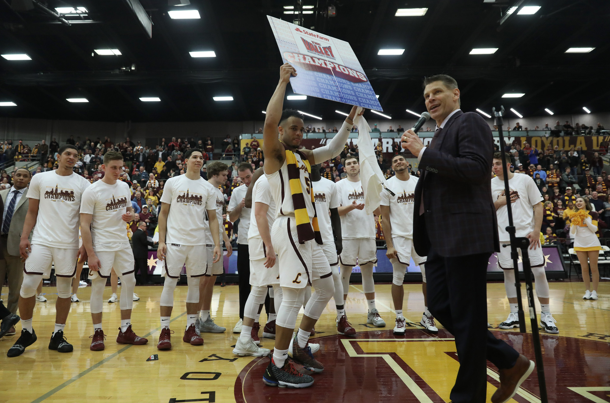 Loyola coach Porter Moser turns down St. John's: 'You can be rich without the dollar signs'