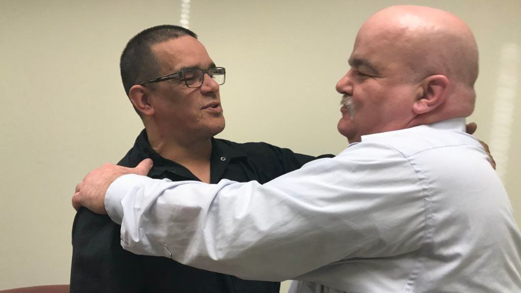 Freed death row inmate Rolando Cruz meets with Ripper Crew killer Thomas Kokoraleis in Aurora