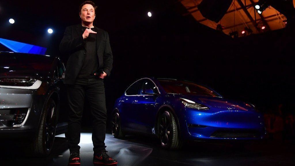 Tesla is showing off its self-driving tech today — but 'it's all hype,' skeptic says