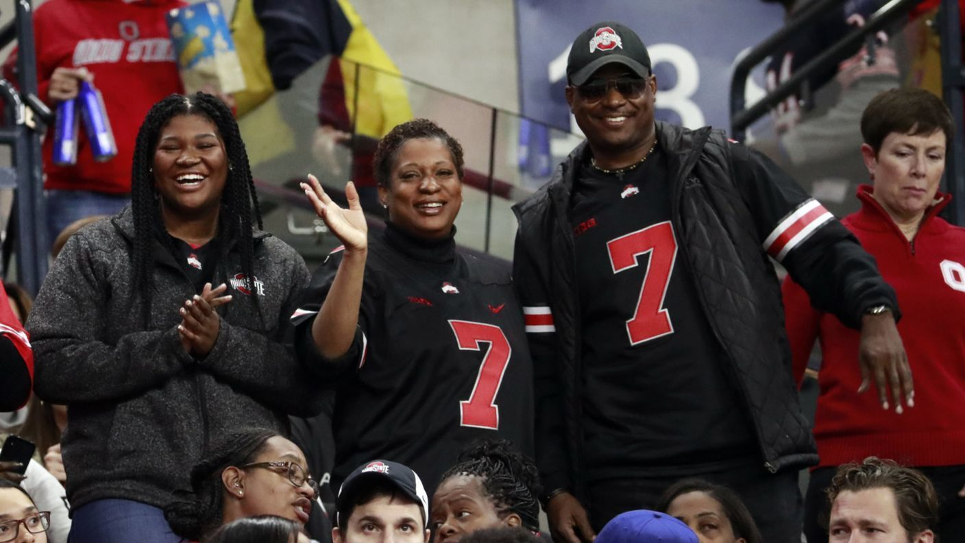 Talk of Ohio State's Dwayne Haskins slipping in the NFL draft is just a 'conversation piece,' his father says