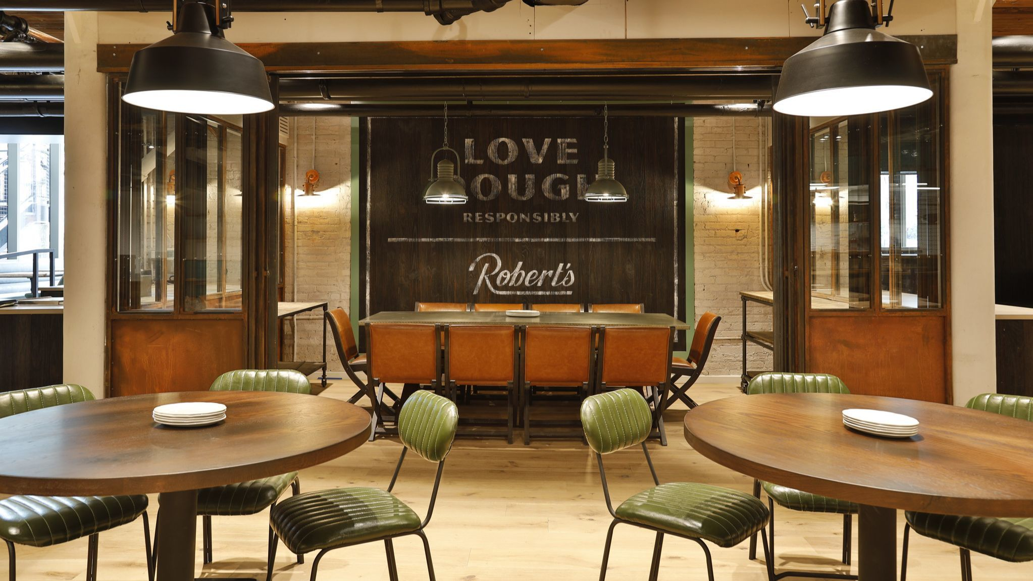 Robert's Pizza makes its return, opens May 10 in Streeterville