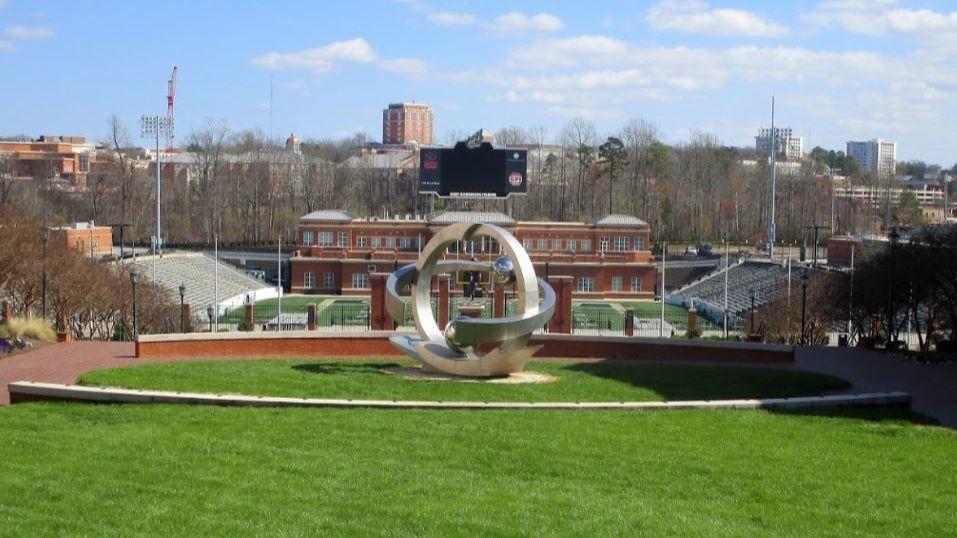 At least 3 shot at University of North Carolina at Charlotte campus; shooter in custody: reports