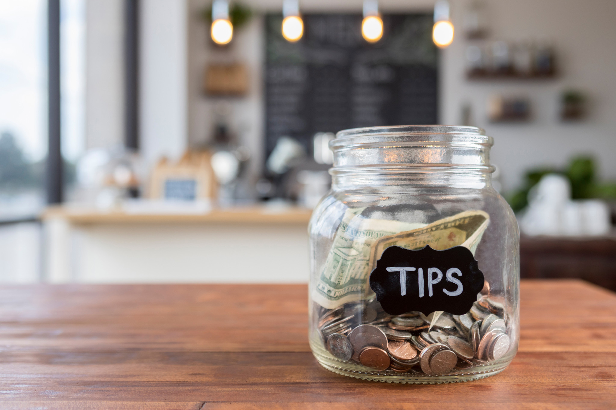 Readers weigh in on tipping for takeout, delivery and more | Doreen's Deals