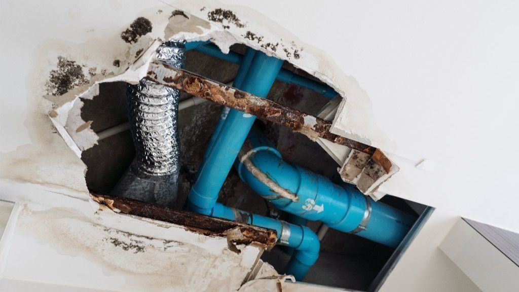 Association should pay deductible when common element water pipe bursts, but affected units can be charged instead