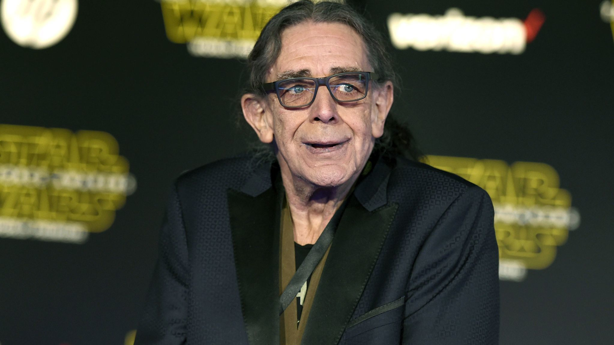 Peter Mayhew, the towering Chewbacca in the 'Star Wars' films, dies at 74