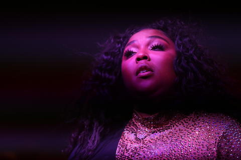 Lizzo performs at the Riviera Theatre in Chicago on Friday, May 3, 2019. (Chris Sweda/Chicago Tribune)