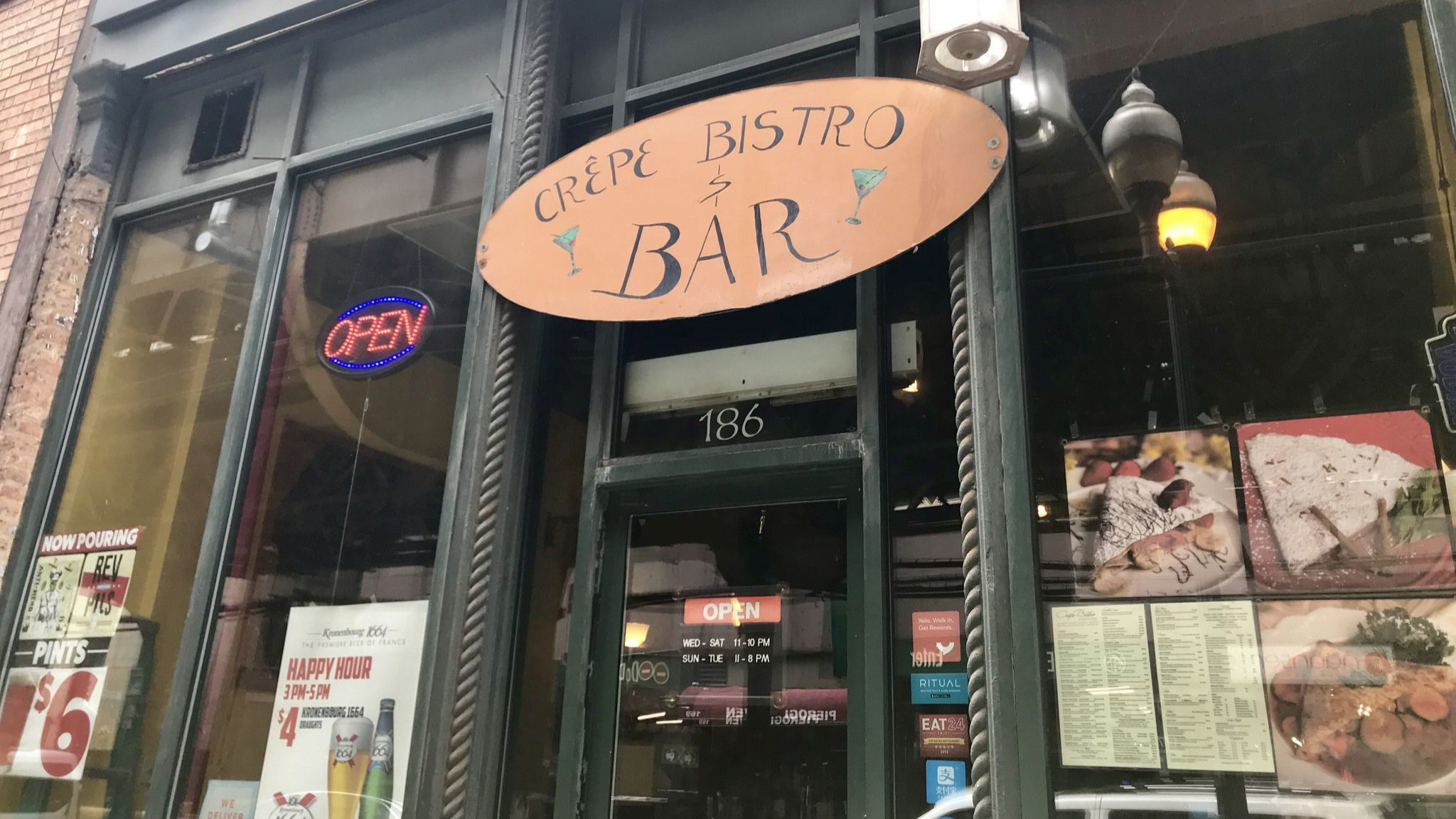 Crepe Bistro in Loop reconcepting to courthouse-themed bar after 13 years