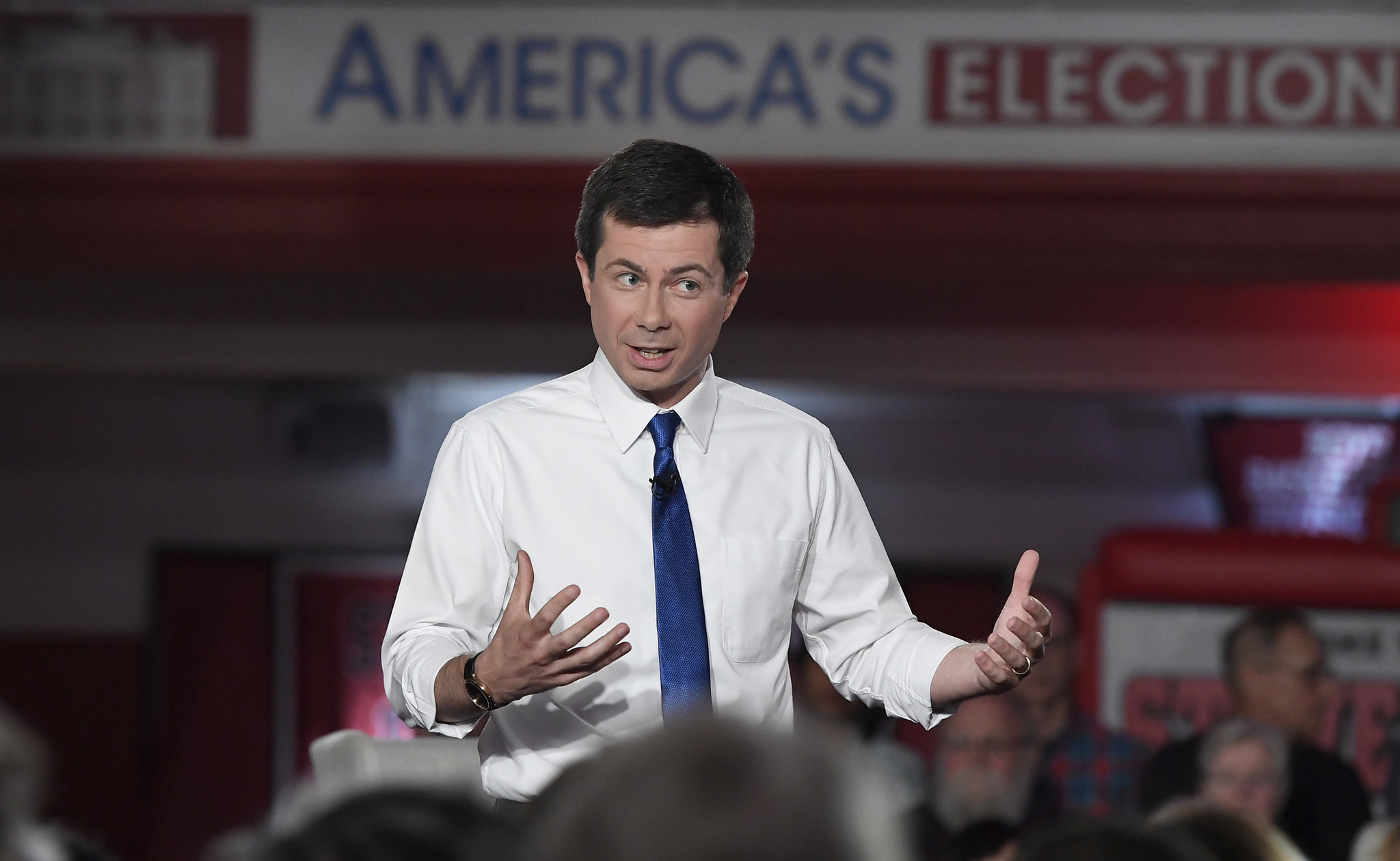 At Fox News town hall, Pete Buttigieg likens Trump's tweets to 'grotesque things'