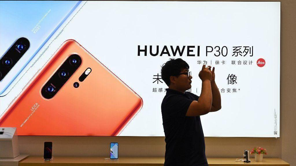 Image result for Mobile networks are suspending orders for Huawei smartphones