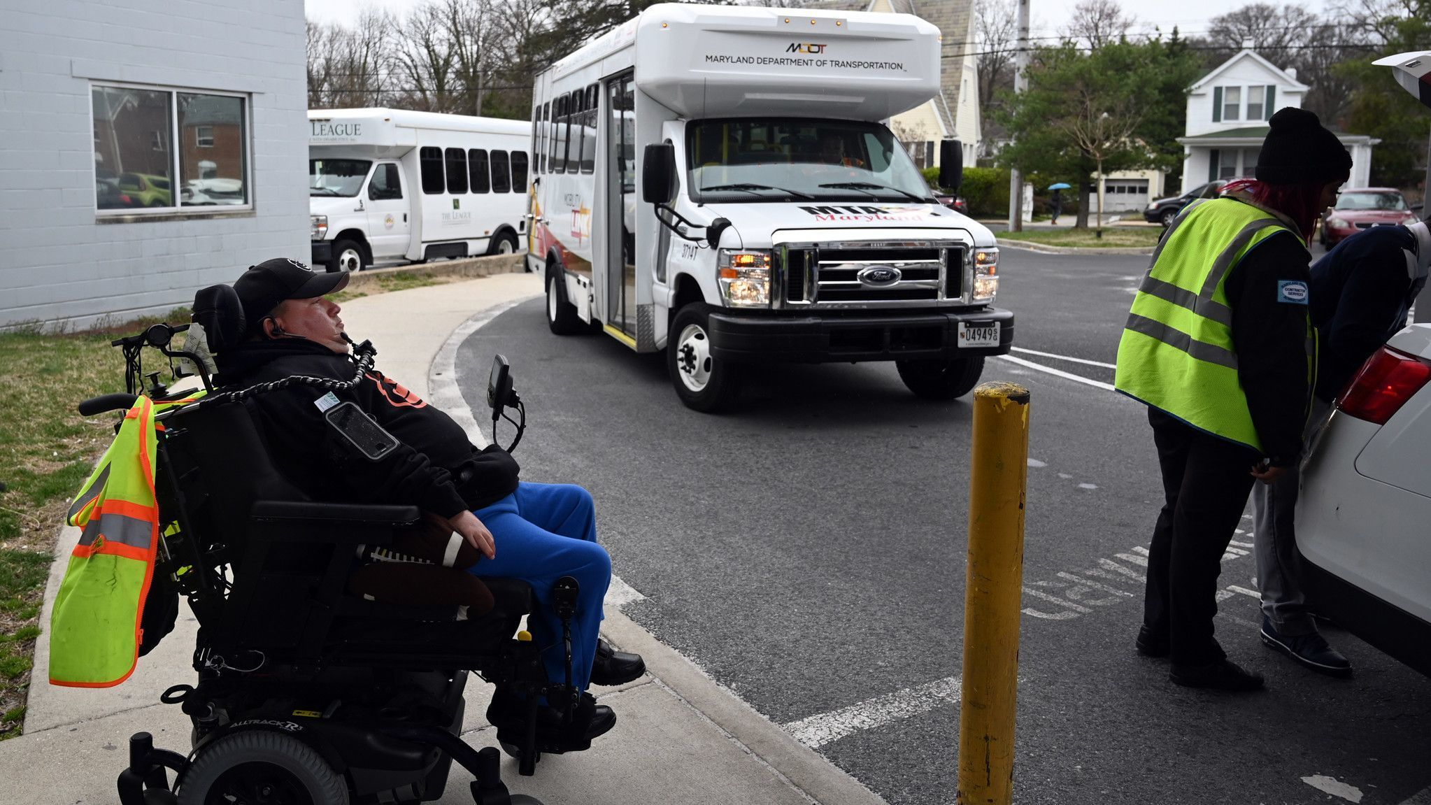 Disabilities rights advocates ask Maryland Gov. Larry Hogan to intervene on MTA MobilityLink troubles