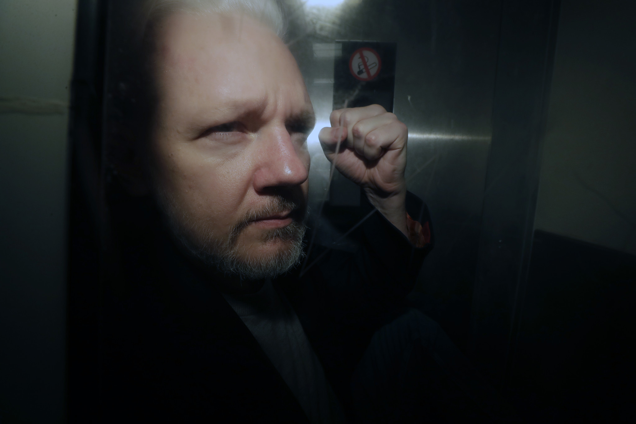 U.S. charges WikiLeaks founder Julian Assange with publishing classified information