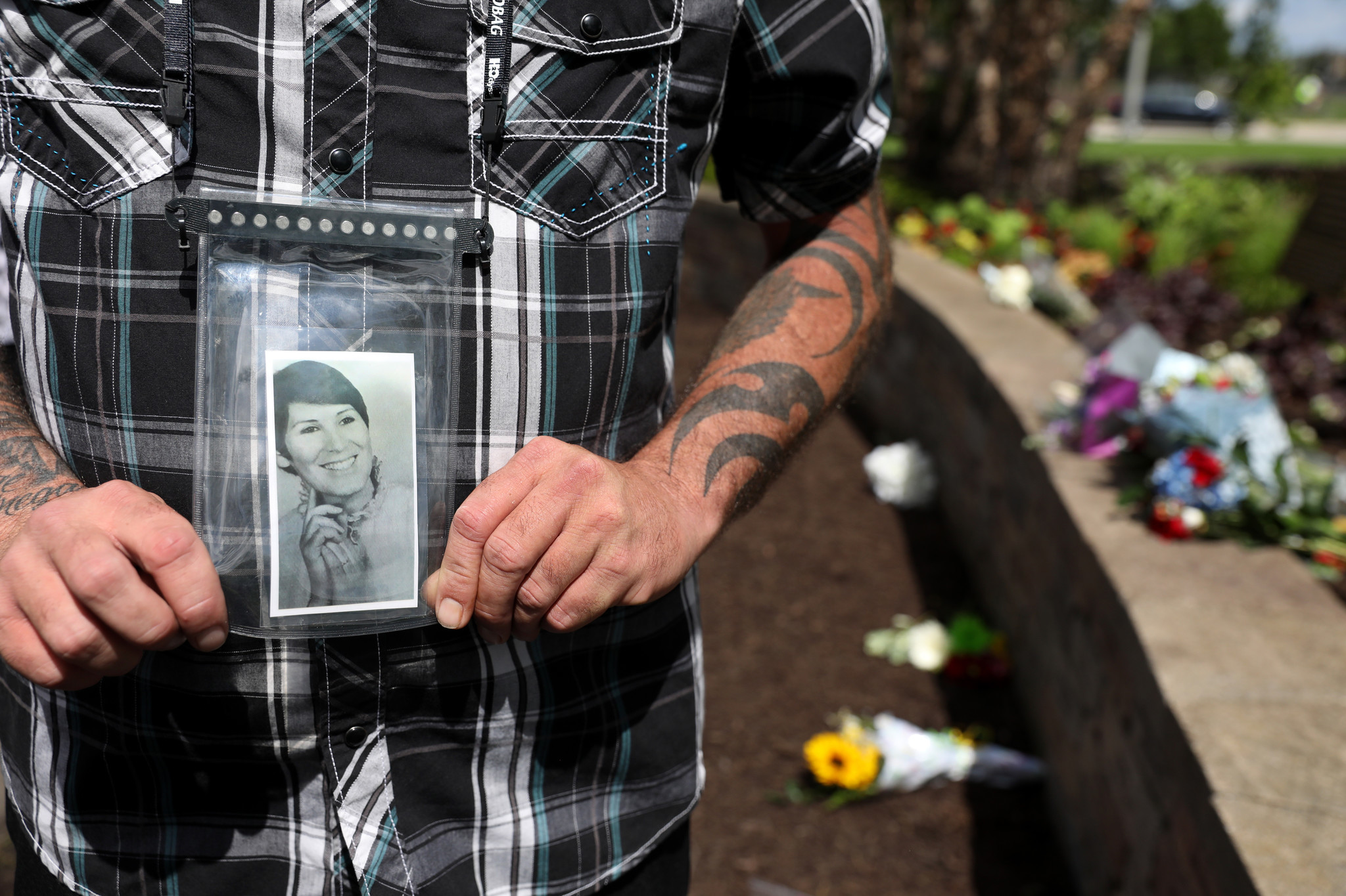 Hundreds gather at memorial service to honor the 273 people killed 40 years ago when Flight 191 crashed at O'Hare