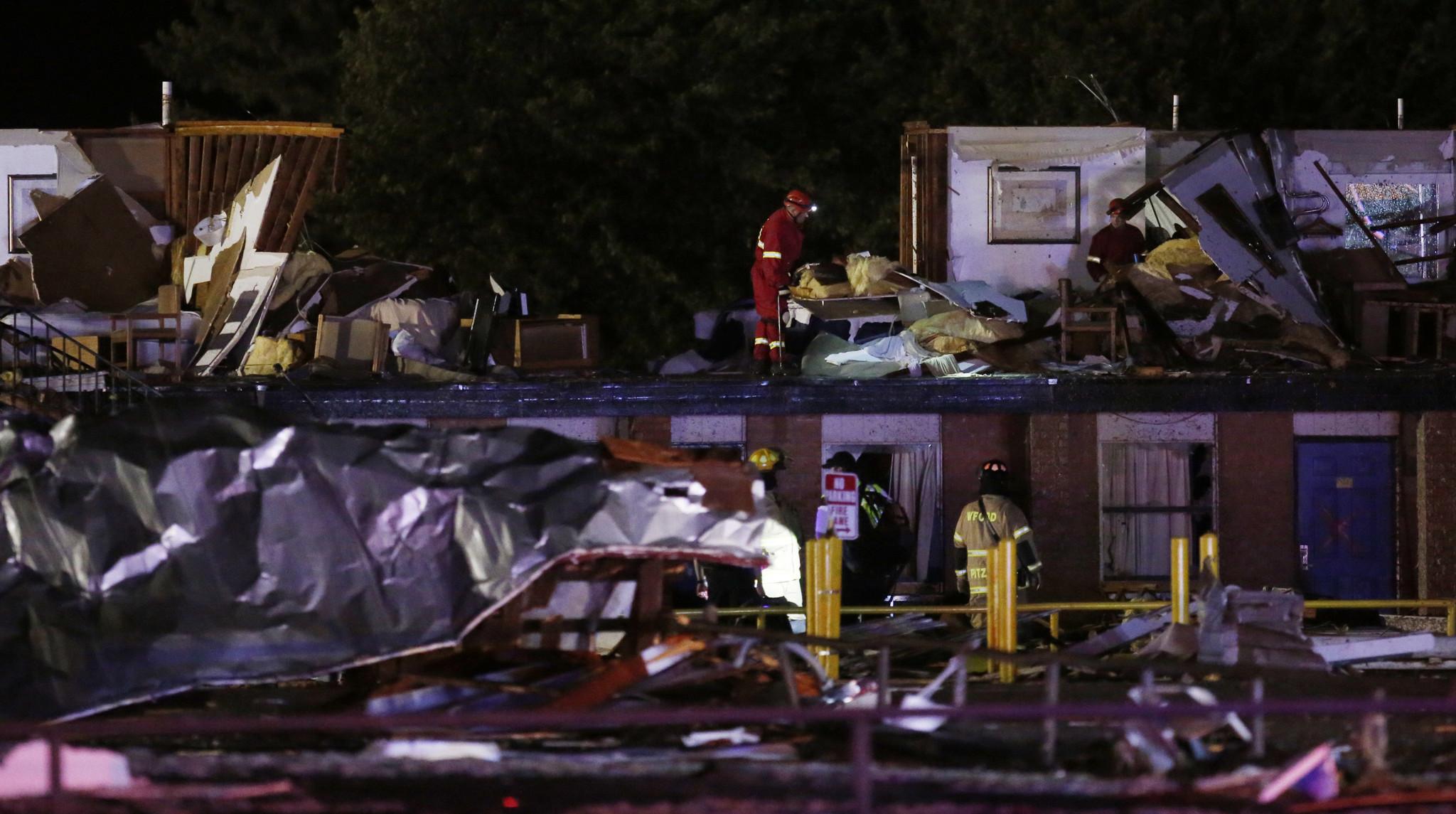 Tornado rips through Oklahoma town, killing 2 and injuring dozens