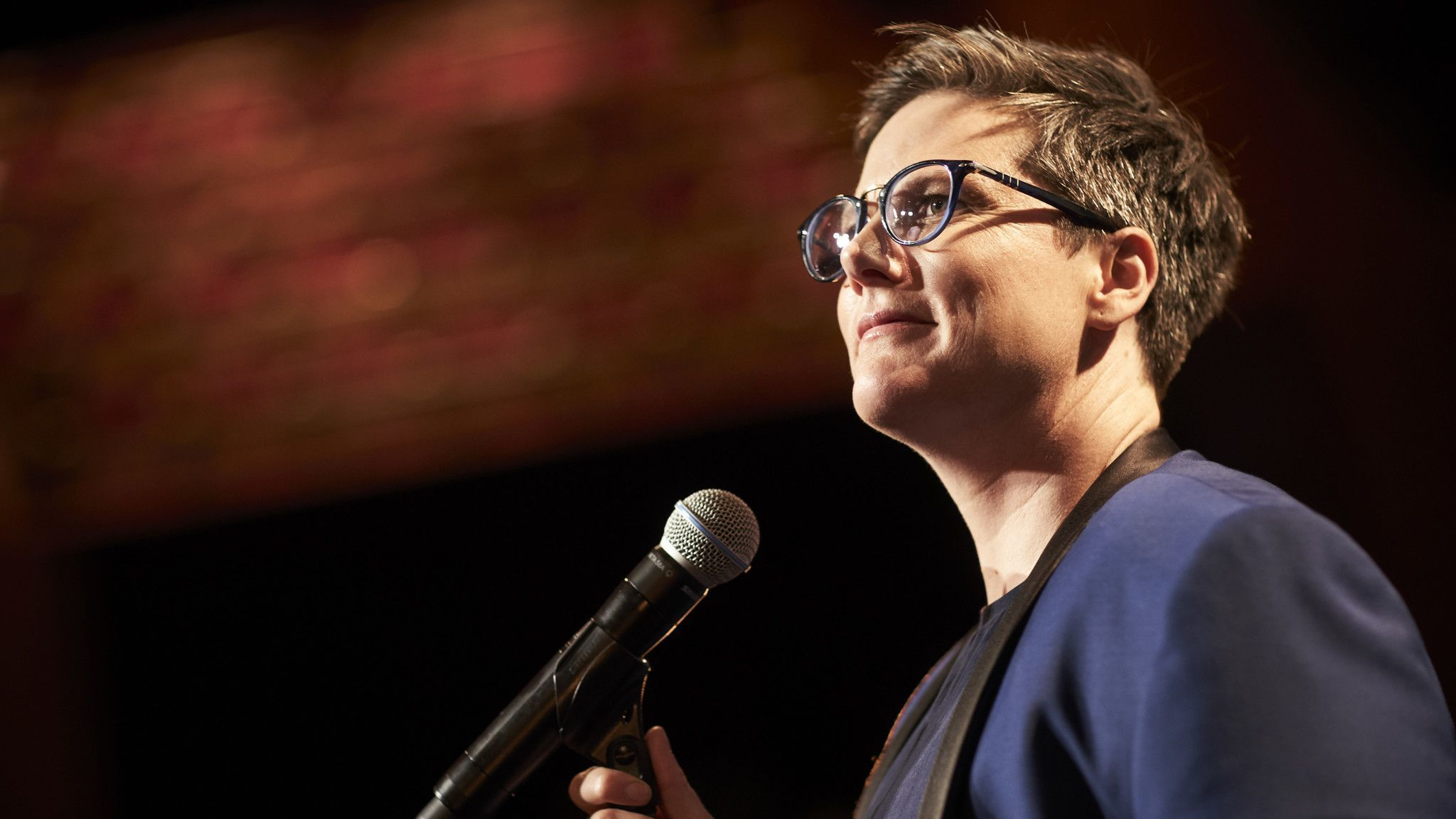 Hannah Gadsby at the Chicago Theatre: Different from 'Nanette' but she still likes to 'rummage' with your head