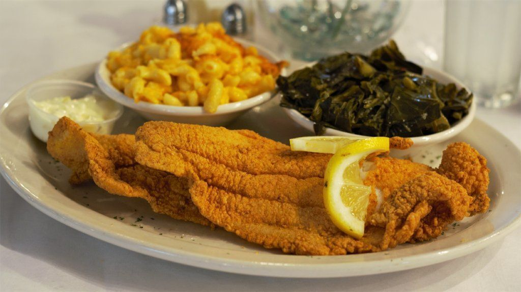 A search for the South Side's best soul food turns up stellar dishes and a debate about Southern cooking