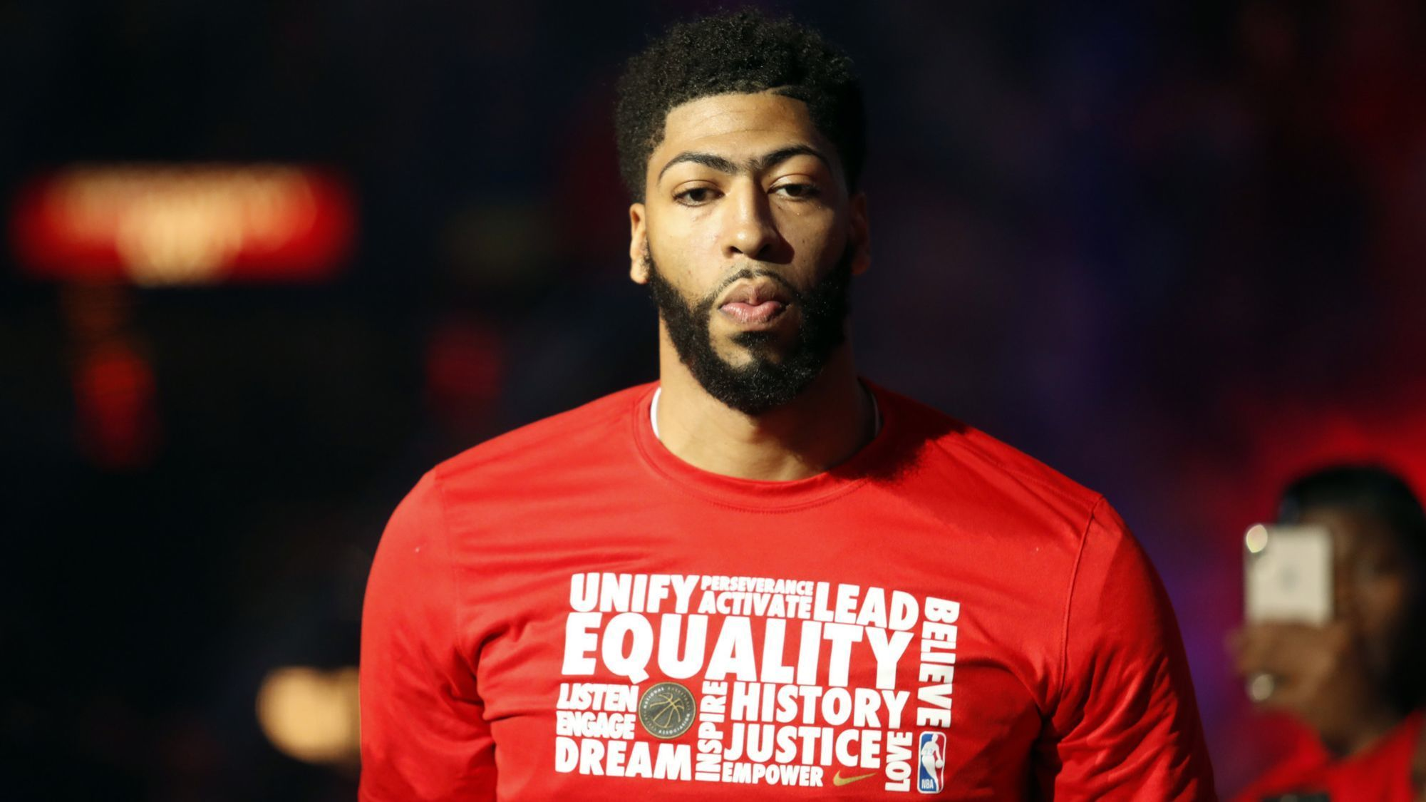 Anthony Davis is coming to the Lakers in a trade