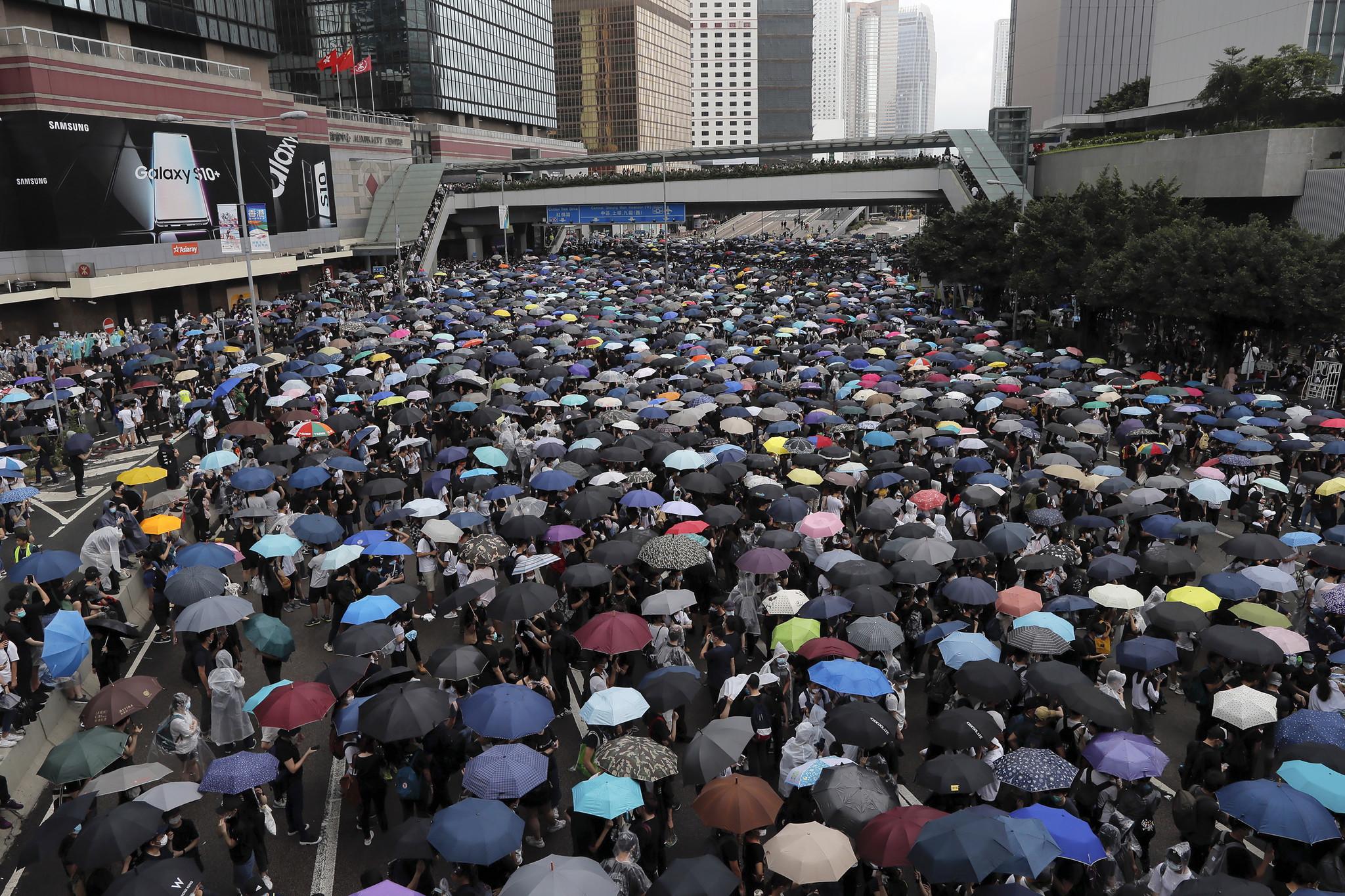 Hong Kong leader pulls Chinese extradition bill amid massive protests