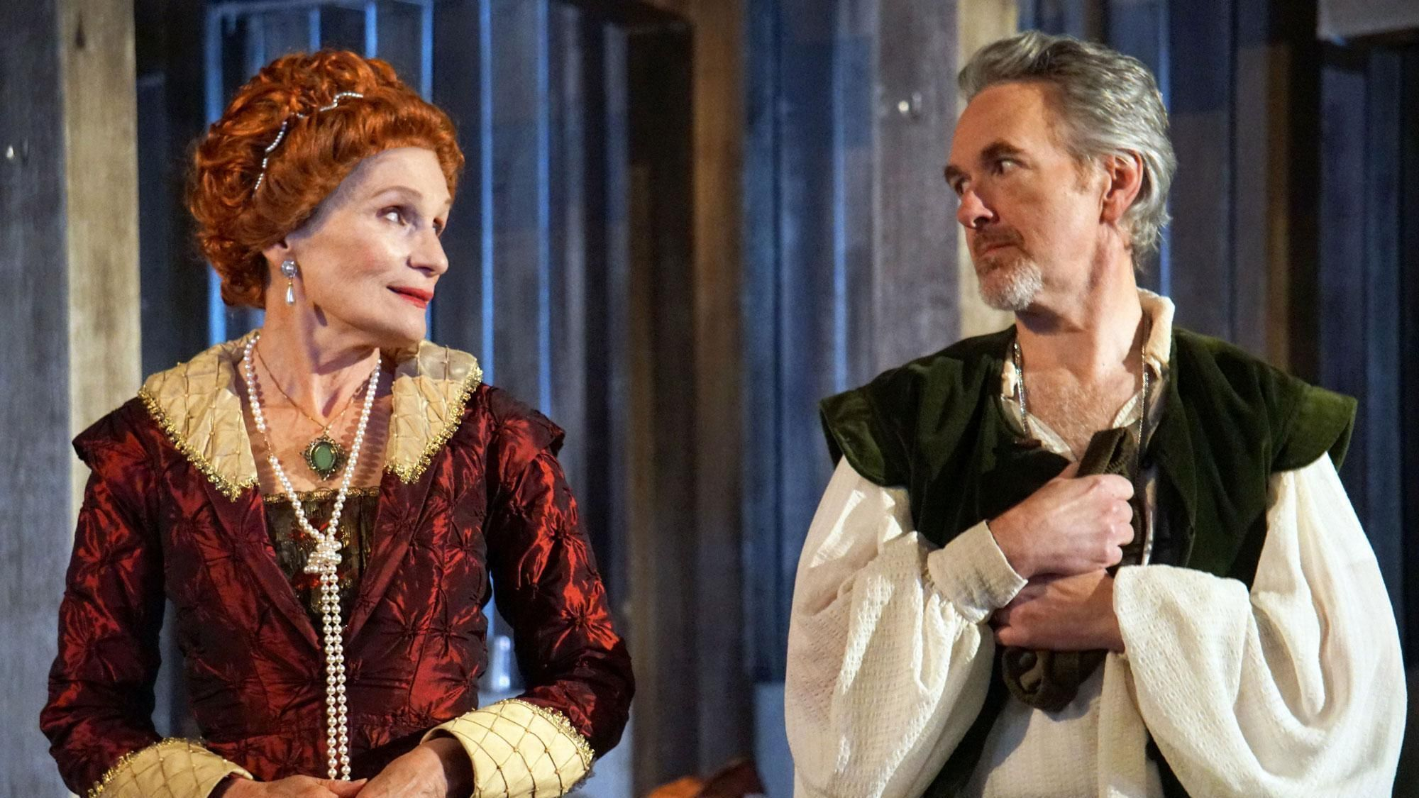 'Elizabeth Rex' at Oak Park Festival Theatre is a worthy 'distraction' for Shakespeare fans