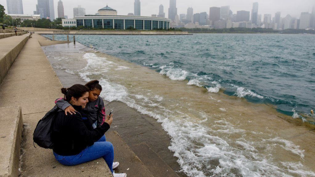 Lake Michigan water levels on pace to reach record high in June, skirt records into fall