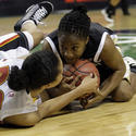 Kristi Toliver fights for a loose ball