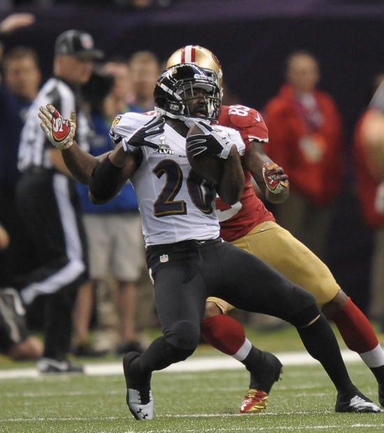 Ed Reed intercepts a pass by Colin Kaepernick in the second quarter.