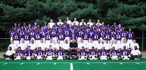Here is the team photo for the 2000 Ravens, who defeated the New York Giants in Super Bowl XXXV.