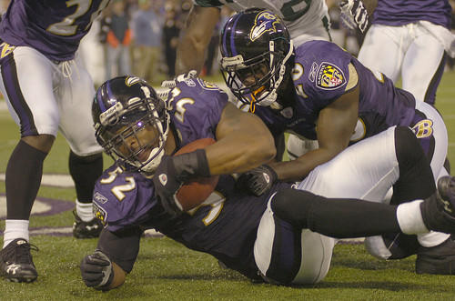 Ray Lewis makes an interception in the end zone to seal the Ravens' win with 1:03 remaining in the game.