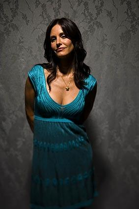 "Actress Courteney Cox is starring in a new ABC TV series called ""Cougar Town."""