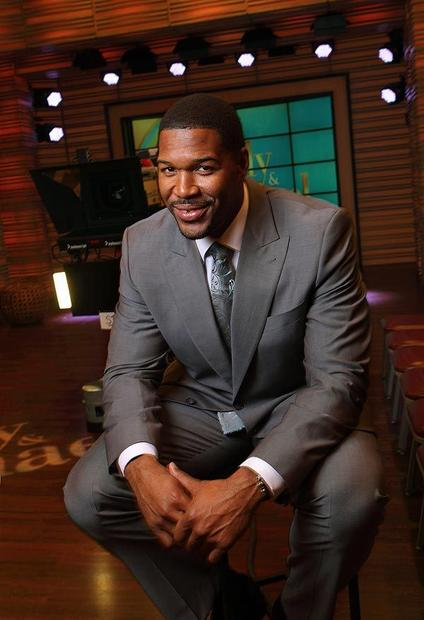 "In the NFL, Michael Strahan was an imposing figure, but now paired with Kelly Ripa on ""Live!"", he's become morning TV's gentle giant. <br /> MORE: <a href=""http://www.latimes.com/entertainment/tv/showtracker/la-et-st-michael-strahan-kelly-ripa20121008,0,5017242.story"">Michael Strahan is morning TV's big guy</a>"