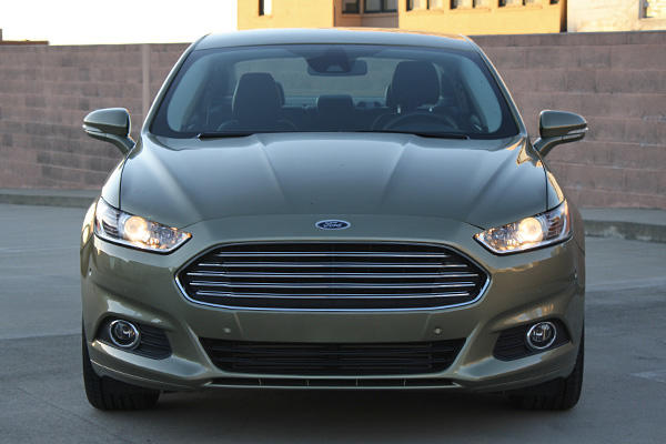 This 2013 Ford Fusion SE sells for $30,680.