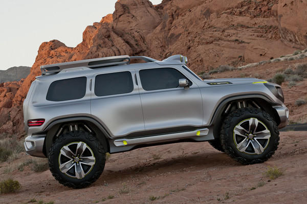 This is only a full-scale model without a functioning powertrain. Mercedes imagines the Ener-G-Force would be powered by four independently controlled motors, one mounted at each wheel.