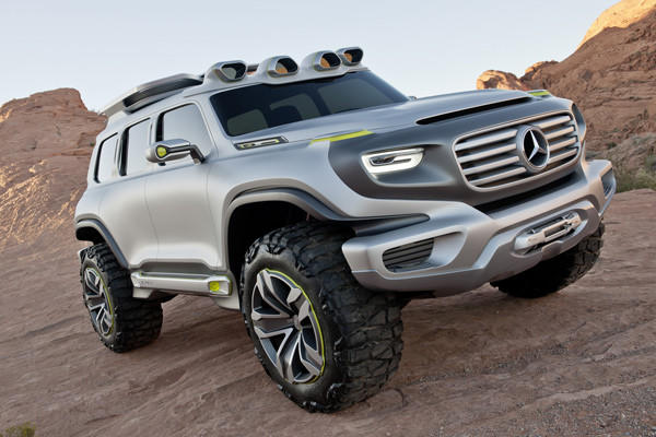 Design elements like turning signals and running lights mounted on top of the fenders and a distinct three-piece greenhouse pay homage to the current SUV that Mercedes deems iconic.