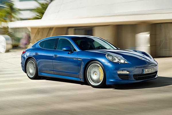 The Panamera S Hybrid gets 380 total horsepower and a maximum of 428 pound-feet of torque at any given time. Power comes from a supercharged 3.0-liter V-6 engine making 333 horsepower and 325 pound-feet of torque, and an electric motor puts out 47 horsepower and 221 pound-feet of torque.