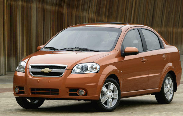 "The Chevrolet Aveo subcompact had the third-worst record, logging 26 injury claims per 1,000 insured Aveos, according to the Highway Loss Data Institute. <br><b>More: </b><a href=""http://www.latimes.com/business/money/la-fi-mo-auto-dangerous-cars-20120920,0,4970490.story"" target=""_blank"">Most dangerous cars? Here are best, worst for personal injury claims</a>"