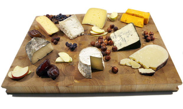 "Some good choices for a Thanksgiving cheese platter (from top, clockwise): Trail Head cow's milk Washington; Hook's Cheddar; Rogue River Blue; Vella Dry Hack; Jasper Hills Farm Constant Bliss; Sally Jackson; Grayson; and finally, Truffle Tremor. <a href=""http://www.latimes.com/features/la-fo-cheese26-2008nov26,0,15987.story"" target=""_blank"">Click here for help planning your own platter.</a><br> <br> <b>RELATED</b><br> <br> <a href=""http://www.latimes.com/features/food/thanksgiving/"">More holiday recipes from the L.A. Times Test Kitchen</a>"