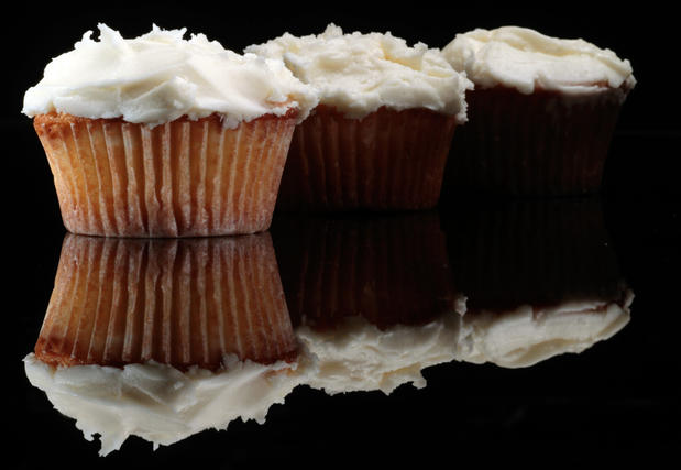 "<b>DREAMY:</b> The vanilla cupcakes served at Joan's on Third. <a href=""http://www.latimes.com/features/food/la-fo-sos-20100520,0,5514002.story"" target=""_blank"">Click here for the recipe.</a>"