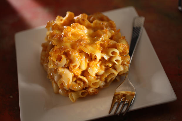 "Spicy mac 'n' cheese<a href=""http://www.latimes.com/features/food/la-fo-sos1-2009jul01,0,2996201.story"" target=""_blank""> as an appetizer? Oh, yes.</a>"