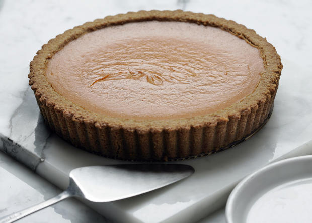 "<a href=""http://www.latimes.com/theguide/holiday-guide/food/la-fo-th-citybakery-story,0,7339420.story"" target=""_blank"">This is kind of a pumpkin pie. And kind of a tart. Click here for the recipe.</a><br> <br> <b>RELATED</b><br> <br> <a href=""http://www.latimes.com/features/food/thanksgiving/"">More holiday recipes from the L.A. Times Test Kitchen</a>"