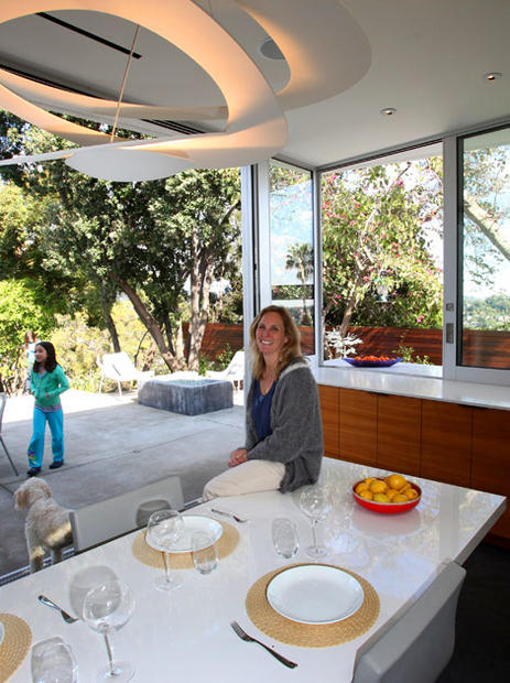 A modern kitchen for a traditional l a house la times for Kitchen set los angeles
