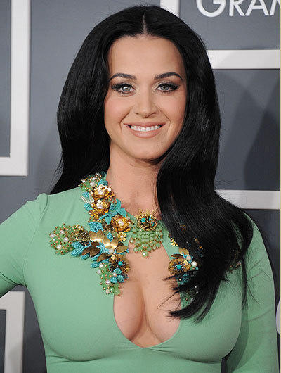 Katy Perry makes a splash in her green dress at the 2013 Grammys.