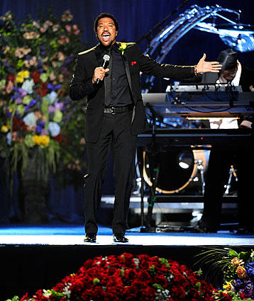 "Lionel Richie sings ""Jesus Is Love."""