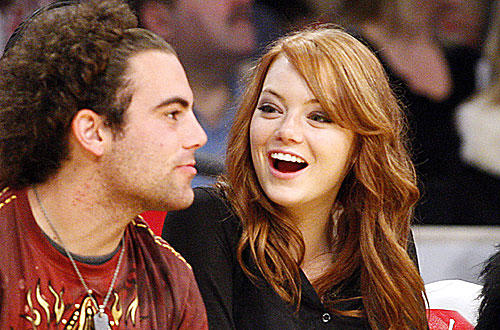 """Superbad"" actress Emma Stone at Staples for the  <a href=""http://www.latimes.com/sports/la-sp-lakers-timberwolves12-2009dec12,0,1390262.story "">Lakers-Timberwolves</a> game."