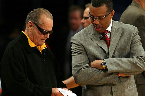 "Staples perennial Jack Nicholson talks strategy with Suns coach Alvin Gentry during Game 1 of the <a href=""http://www.latimes.com/sports/la-sp-heisler-lakers-20100518,0,5310674.column"">Lakers-Suns</a>  Western Conference Finals."
