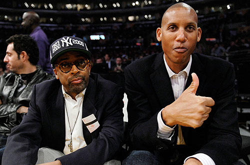 "Director Spike Lee and former Indiana Pacers shooting guard Reggie Miller, before the <a href=""http://www.latimes.com/sports/la-sp-lakers-knicks25-2009nov25,0,6322571.story"">Lakers- Knicks</a>  game at Staples Center."