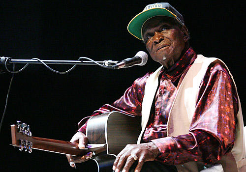 "The Chicago bluesman, the son of a sharecropper and grandson of a slave, performed with the founders of the art form: Robert Johnson, Charlie Patton, Son House, Tommy McLennan, Sonny Boy Williamson, Big Joe Williams. He was the last of the bluesmen from his generation. He was 96. <a href=""http://www.latimes.com/news/obituaries/la-me-honeyboy-edwards-20110830,0,6427236.story""><span class=""center_label"">Full obituary</span></a><br> <br> <a href=""http://www.latimes.com/news/obituaries/la-me-2010notables-gallery,0,7041480.photogallery""><span class=""center_label"">Notable deaths of 2010</span></a>"