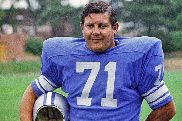 "The fearsome defensive lineman was a fixture for the Detroit Lions for 12 seasons. He later worked as a ""Monday Night Football"" co-host and parlayed his hulking strength into an acting career with memorable roles on TV's ""Webster"" and the film ""Blazing Saddles."" He was 77. <a href=""http://www.latimes.com/news/obituaries/la-me-alex-karras-20121011,0,2800870.story"" class=""center_label"">Full obituary</a>  <a href=""http://www.latimes.com/news/obituaries/la-me-2012notables-gallery,0,1269713.photogallery""><span class=""center_label"">Notable deaths of 2012</span></a>"