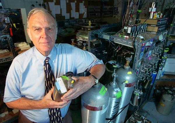 "UC Irvine professor F. Sherwood Rowland warned the world that man-made chemicals could erode the ozone layer. His work resulted in an international treaty banning chlorofluorocarbons in 1987. Rowland and two others shared the Nobel Prize in chemistry in 1995. He was 84. <a href=""http://www.latimes.com/news/obituaries/la-me-sherwood-rowland-20120312,0,1170560.story""><span class=""center_label"">Full obituary</span></a><br>